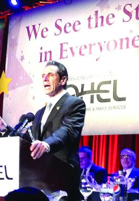 Governor Andrew Cuomo addressing the Ohel dinner. (Jacob Kornbluh/Shimon Gifter)
