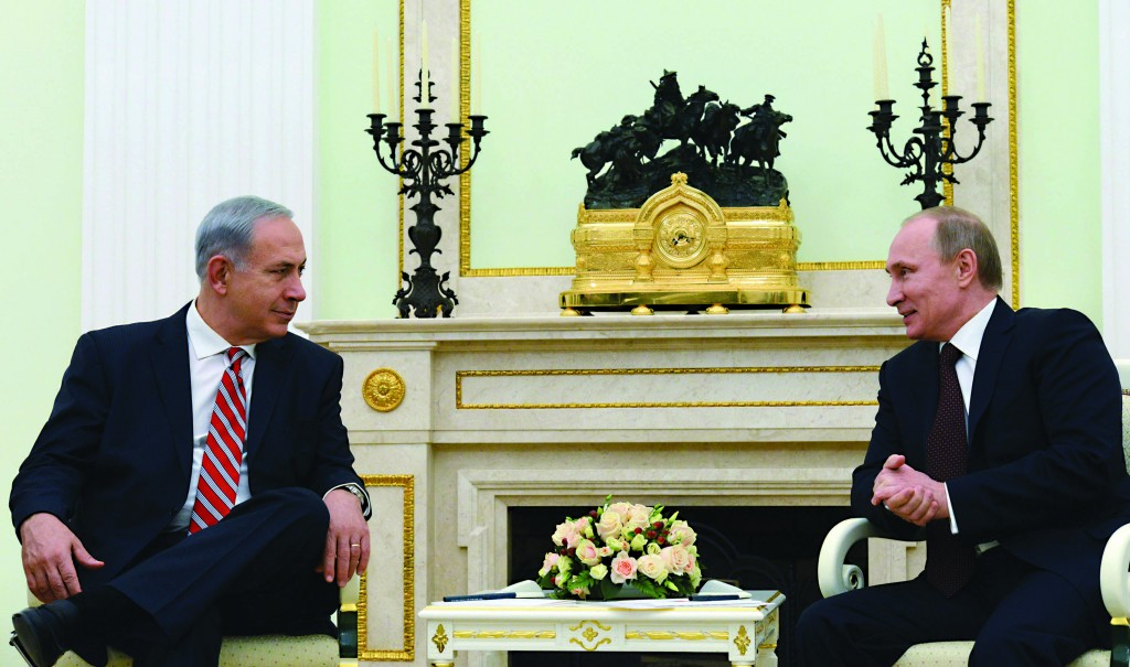 Russian President Vladimir Putin (R) and Israeli Prime Minister Binyamin Netanyahu meet at the Kremlin in Moscow on Wednesday. (Kobi Gideon/GPO/FLASH90)