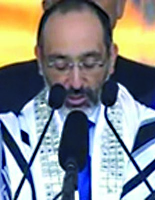 South African Chief Rabbi Warren Goldstein speaking at the memorial service of Nelson Mandela, Tuesday, December 10.