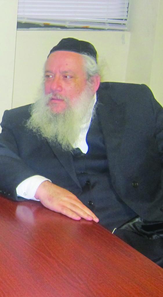 Rabbi Chanoch Zeibert, Mayor of Bnei Brak, visiting Hamodia.