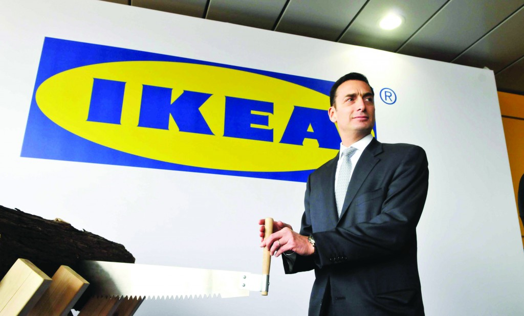 Matthew Bronfman at an Ikea opening in Rishon Letzion. (Yossi Zeliger/Flash90)