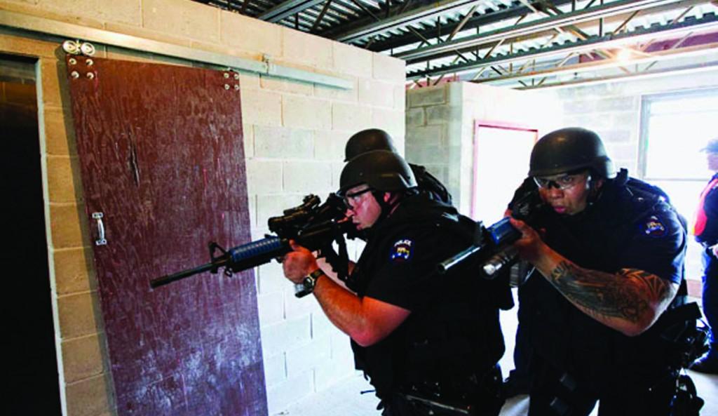 New York police officers practice urban assault tactics. (Reuters/ Lucas Jackson)