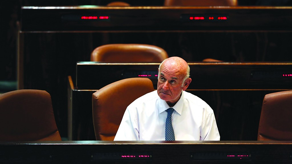 Minister of Science Yaakov Peri during a session in the Knesset. (Yonatan Sindel/FLASH90)