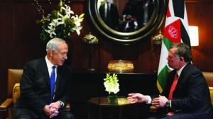 Israeli Prime Minister Binyamin Netanyahu (L) meets with Jordan's King Abdullah II, at the Royal Palace in Amman on Thursday. (Kobi Gideon / GPO/FLASH90)