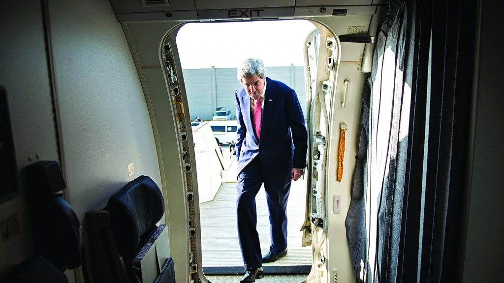 U.S. Secretary of State John Kerry boards his plane at Ben Gurion International Airport in Tel Aviv on Sunday, as he heads to Amman. (REUTERS/Brendan Smialowski/Pool )