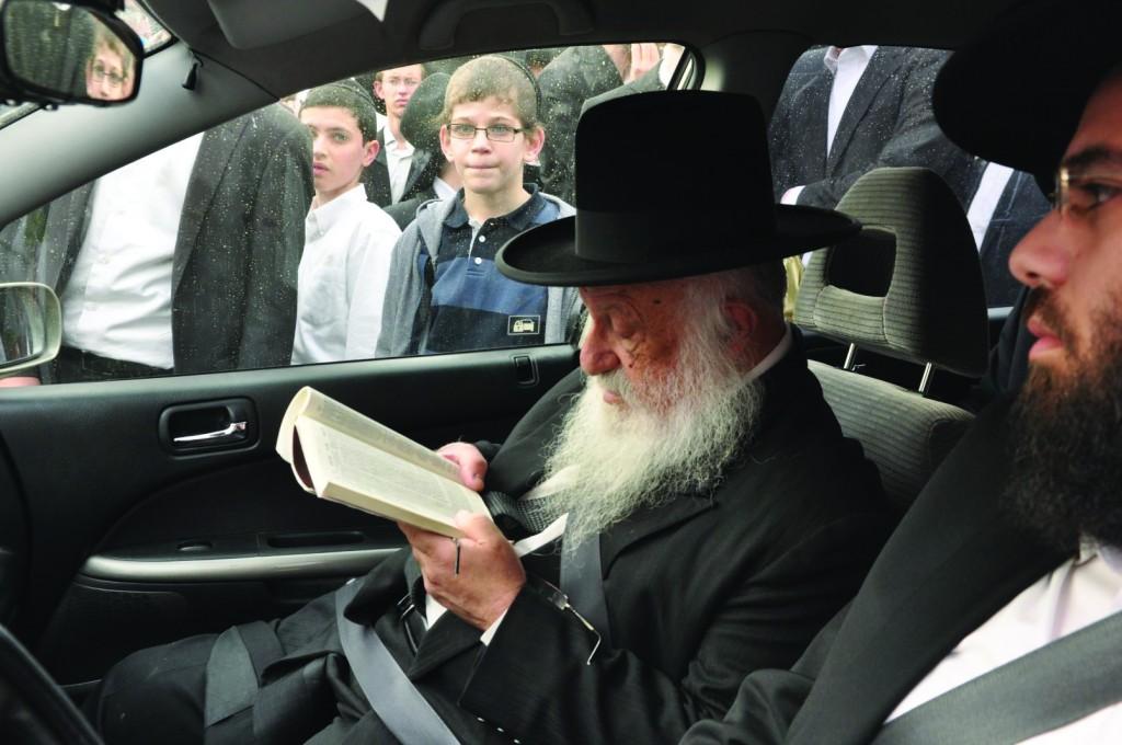 Harav Berel Povarsky, shlita, Rosh Yeshivas Ponevezh.