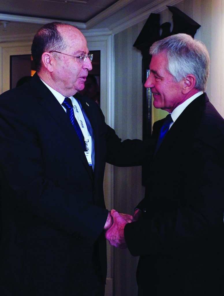 Defense Minister Moshe Yaalon with United States Secretary of Defense Chuck Hagel, during the Defense Conference in Munich, Fenruary 1st.  (Ariel Hermoni/MOD/Flash 90)