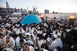 Shacharis Lag BaOmer in Meron, near the kever of Rabi Shimon Bar Yochai. (Flash90)