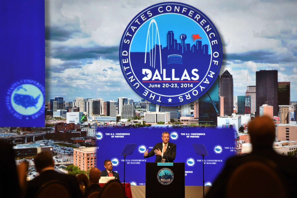Mayor Bill de Blasio addresses on Sunday the U.S. Conference of Mayors in Dallas. (Rob Bennett/City Hall)