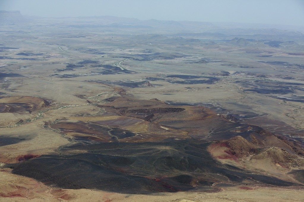 A view of the Ramon Crater (Mitzpe Ramon), the largest of the three Negev craters.  (Yaakov Naumi/Flash90 )