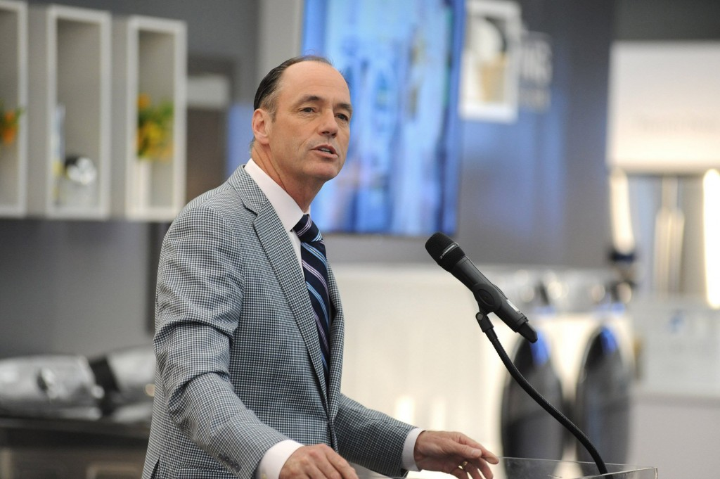 Tim Baxter, President of Samsung Electronics America, speaks during a press event in a store in Manhattan, June 11, 2014.  (Marko Georgiev/The Record/MCT)