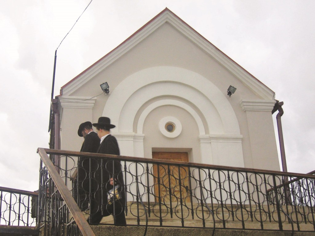 The ohel in Premishlan where six of Reb Meir Hagadol's descendants are buried, including his grandson Reb Meir'l. During WWII the entire area was destroyed; afterwards these few kevarim were discovered. (Tzvi Rubinstein)