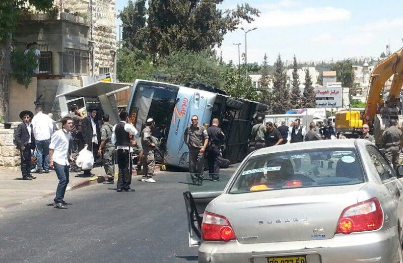Scene of terror attack on Shmuel Hanavi Street. (Credit: Chadashot24)