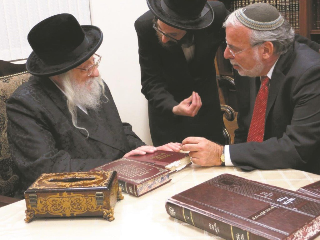 Assemblyman Dov Hikind getting a brachah from the Rachmastrivka and Pupa Rebbes for the upcoming year. (JDN)