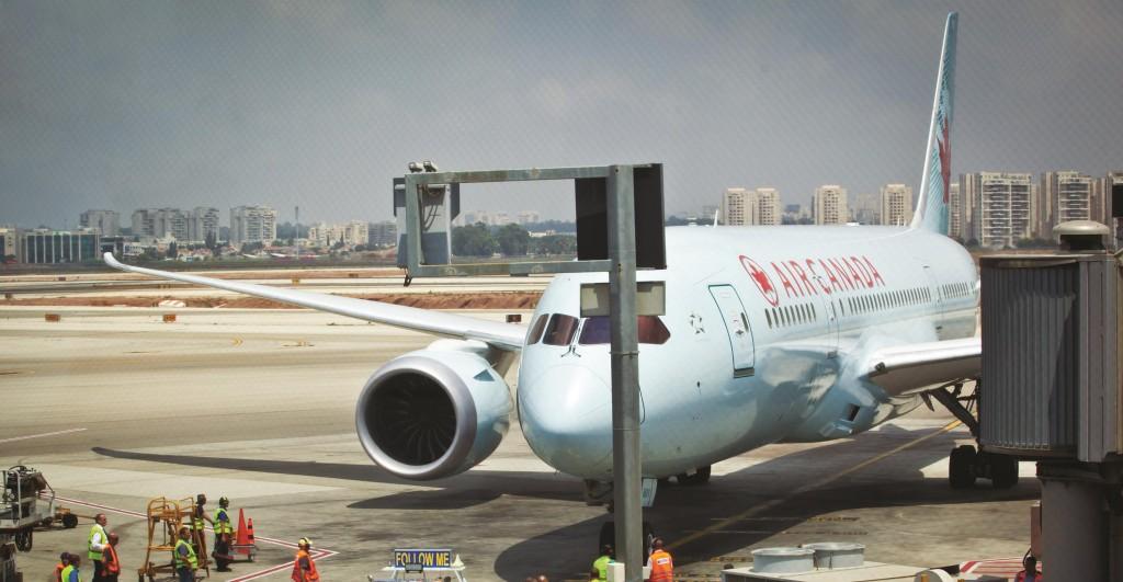 Ben Gurion Airport in Tel Aviv. August 5, 2014.  (Mosh Shai/Flash90)