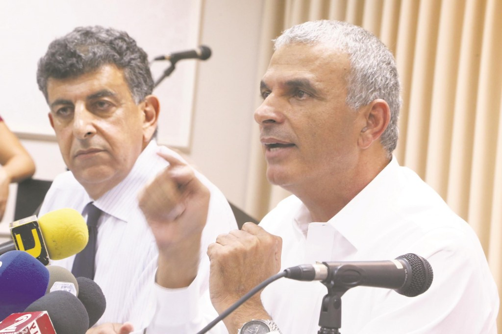 Former Minister of Communications Moshe Kahlon speaking during a press conference on Monday. (Flash90)