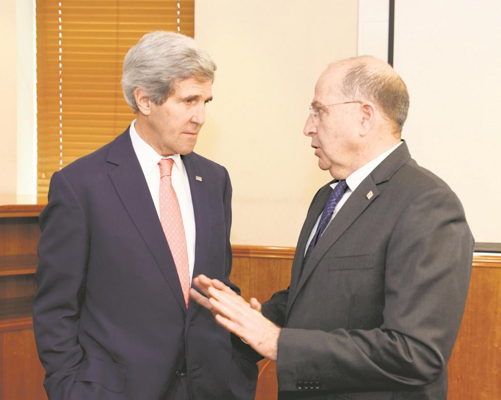Israeli Minister of Defense Moshe Yaalon (R) meets with US Secretary of State John Kerry in Jerusalem on January 3, 2014 in Jerusalem.  (Matty Stern/US Embassy/Flash90)