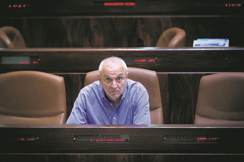 Israeli Minister of Internal Security Yitzhak Aharonovitch in the Knesset on Wednesday.  (Miriam Alster/FLASH90)