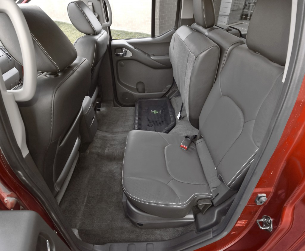 Auto Review Midsize 2015 Nissan Frontier Pro 4x Pickup Offers A