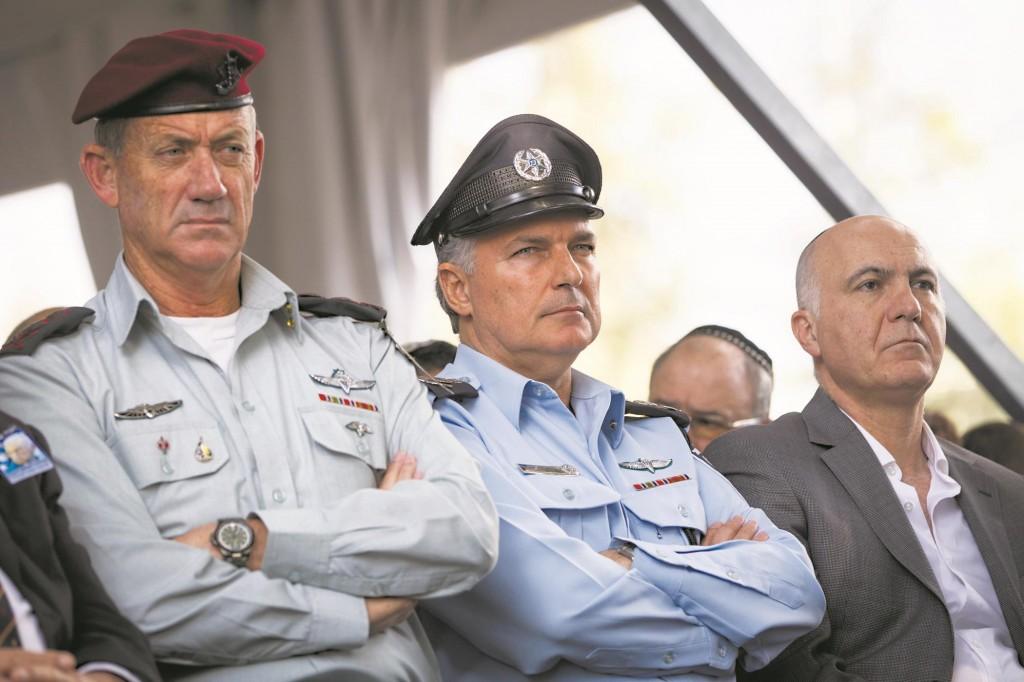 IDF Chief of Staff Benny Gantz (L), Israeli Chief of Police Yohanan Danino (C) and chief of the Shin Bet Yoram Cohen. (Miriam Alster/Flash90)