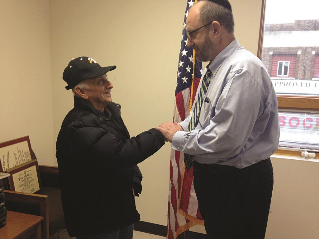 "Sen. Simcha Felder on Tuesday thanks Korean war veteran Marty (Moishe Itzik) Dun for his service. ""As we mark this Veterans Day,"" Felder said, ""it is important that we take some time to remember the great sacrifices that our military personnel have given to our nation. It's the least we can do."""