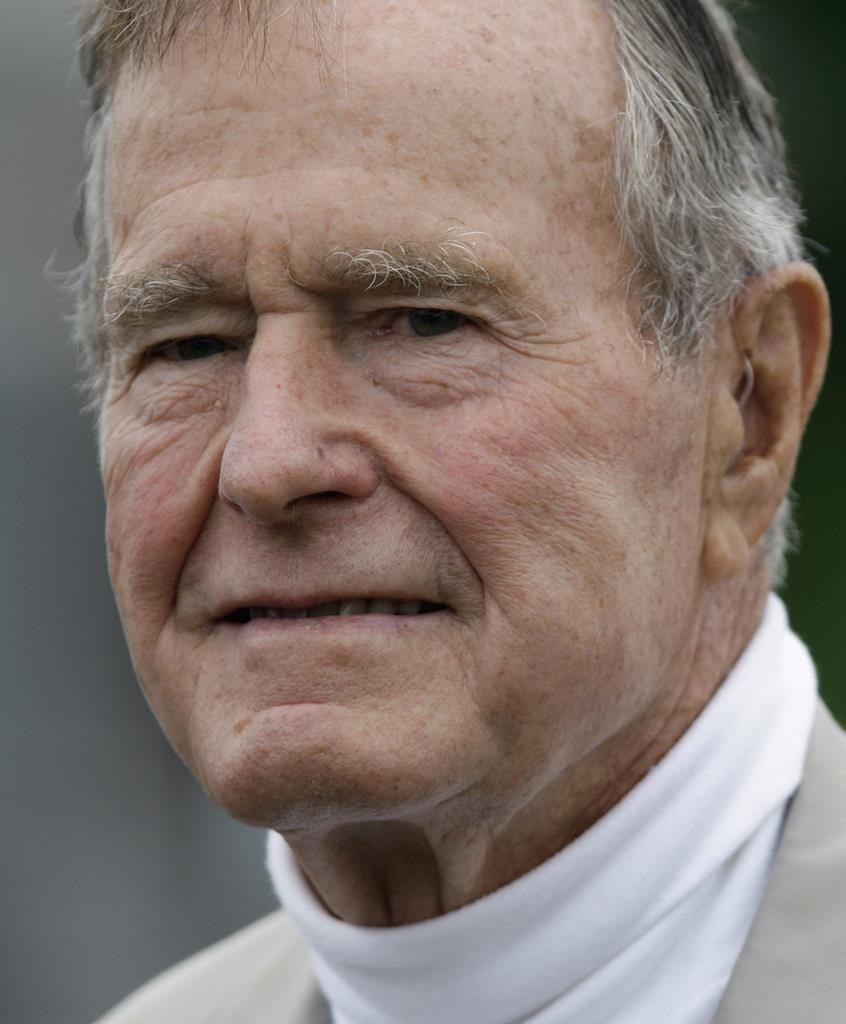 Former President George H.W. Bush at the Bush family home in Kennebunkport, Maine in 2008.  (AP Photo/Carolyn Kaster)