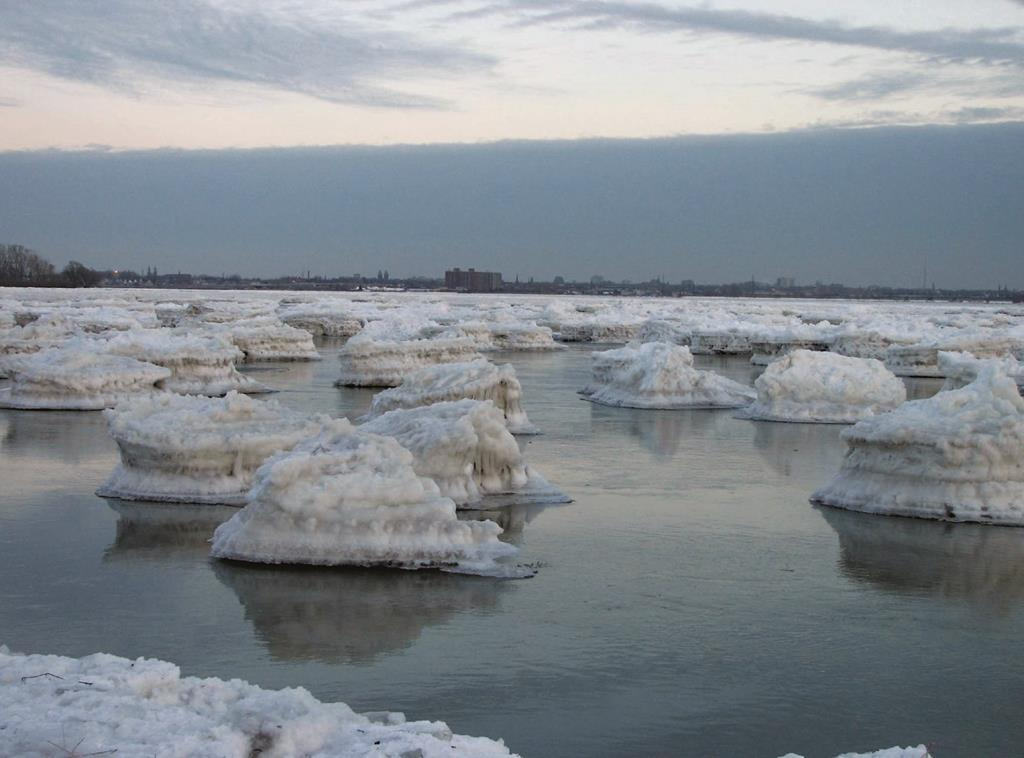 Mini icebergs float in from Lake Erie to the Niagara River in 2008 after the ice boom snapped.