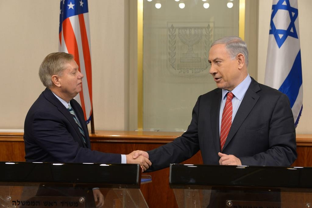 Senator Senator Lindsey Graham with Israeli Prime Minister Binyamin Netanyahu during the former's visit this weekend in Yerushalayim. (Amos Ben Gershom/GPO)