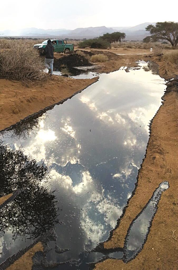 A view of the oil leak in the Arava on Tuesday. (Israeli Environmental Protection Ministry)