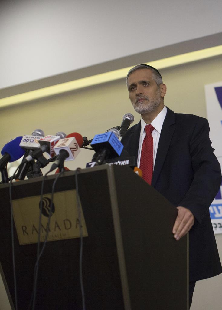 Eli Yishai announces the forming of a new party, at a press conference in Yerushalayim Monday night. (Yonatan Sindel/Flash90)