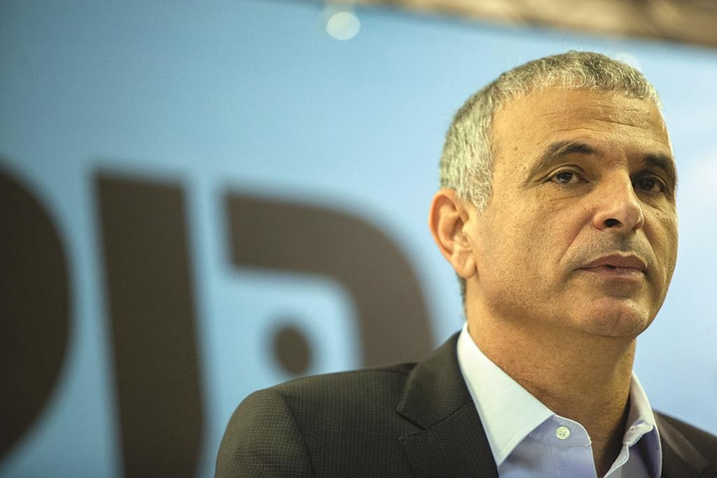 Leader of the new Kulanu political party Moshe Kahlon. (Ben Kelmer/Flash90)