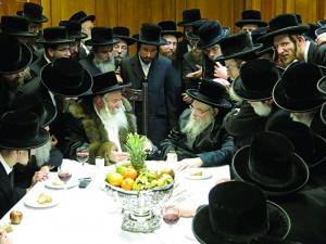 L-R: Bobover Rebbe visiting the Belzer Rebbe.