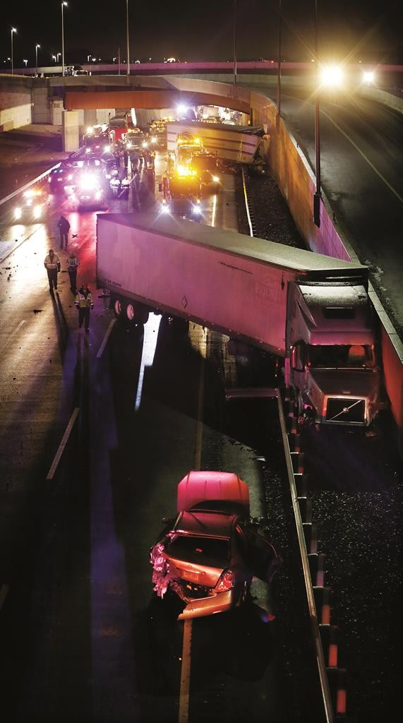 The scene of a multi-vehicle accident that closed the New Jersey Turnpike Monday. (AP Photo/Mel Evans)