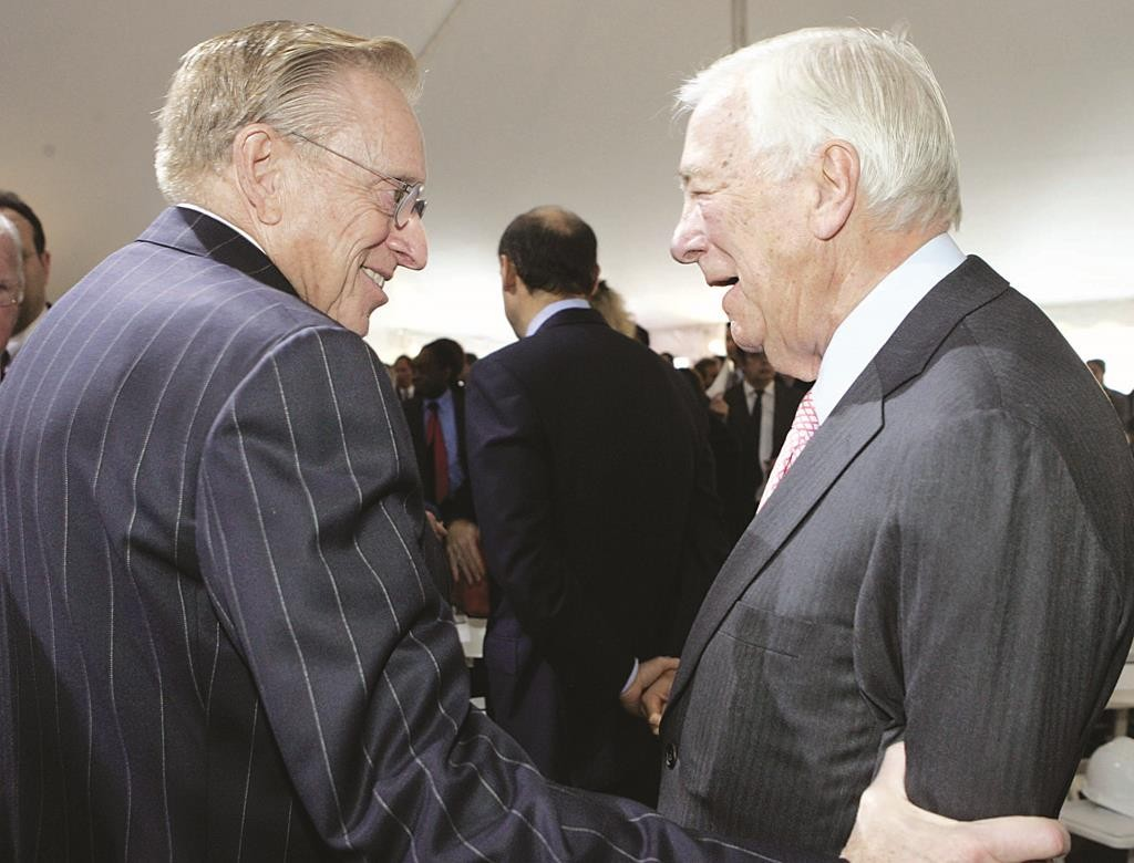 John Whitehead (R) conferring in 2005 with Larry Silverstein, developer of the World Trade Center site. (AP Photo/Richard Drew)