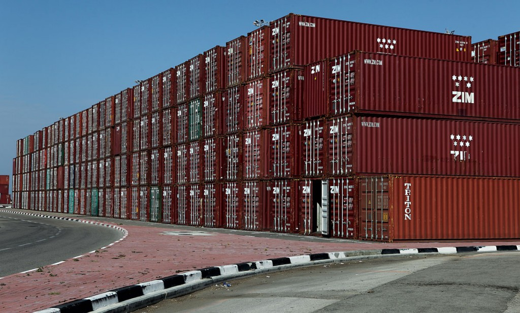 Shipping containers at the Haifa port.  (Yaakov Naumi/Flash90)