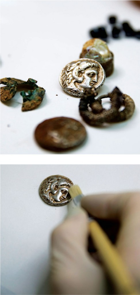 Recently uncovered coins and jewelry said to be from the time of Alexander the Great. (REUTERS/Ronen Zvulun)