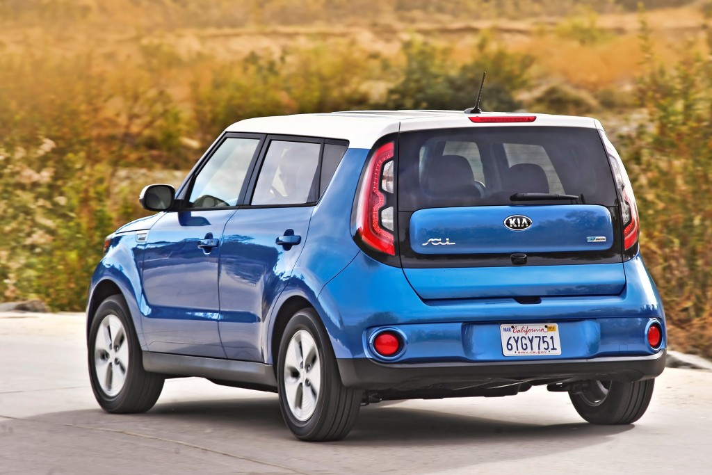 Auto Review Kia Soul Ev Whirs Along When It S Full Of