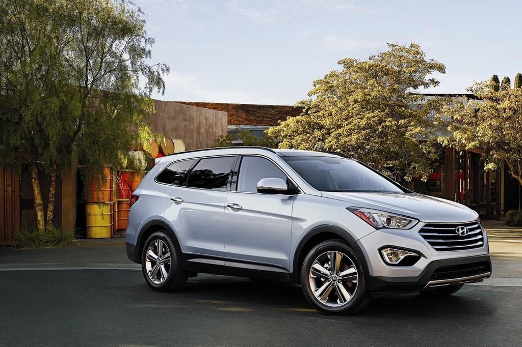 The 2015 Hyundai Santa Fe is a good luxury fake with plenty of pros. (Hyundai)