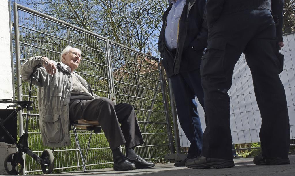 Defendant Oskar Groening during a break in proceedings in his trial in Lueneburg, Germany. (REUTERS/Fabian Bimmer)