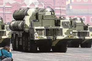 S-300 anti-aircraft missile systems at a victory parade in Red Square, May 9, 2009. (Kremlin.ru.)