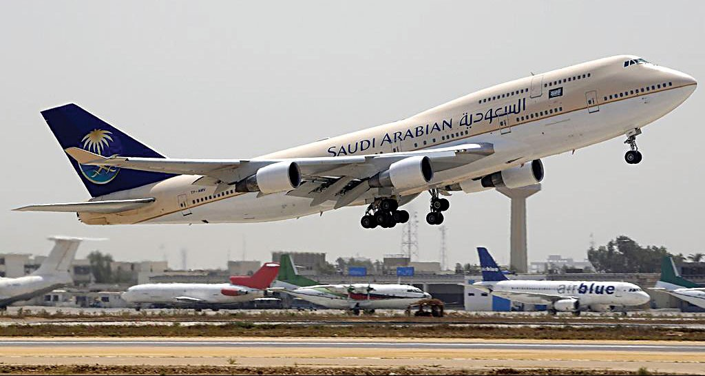 A Saudi Arabian Airlines Boeing 747-400 seen during takeoff from Jinnah International Airport in Karachi, Pakistan. (Asuspine )