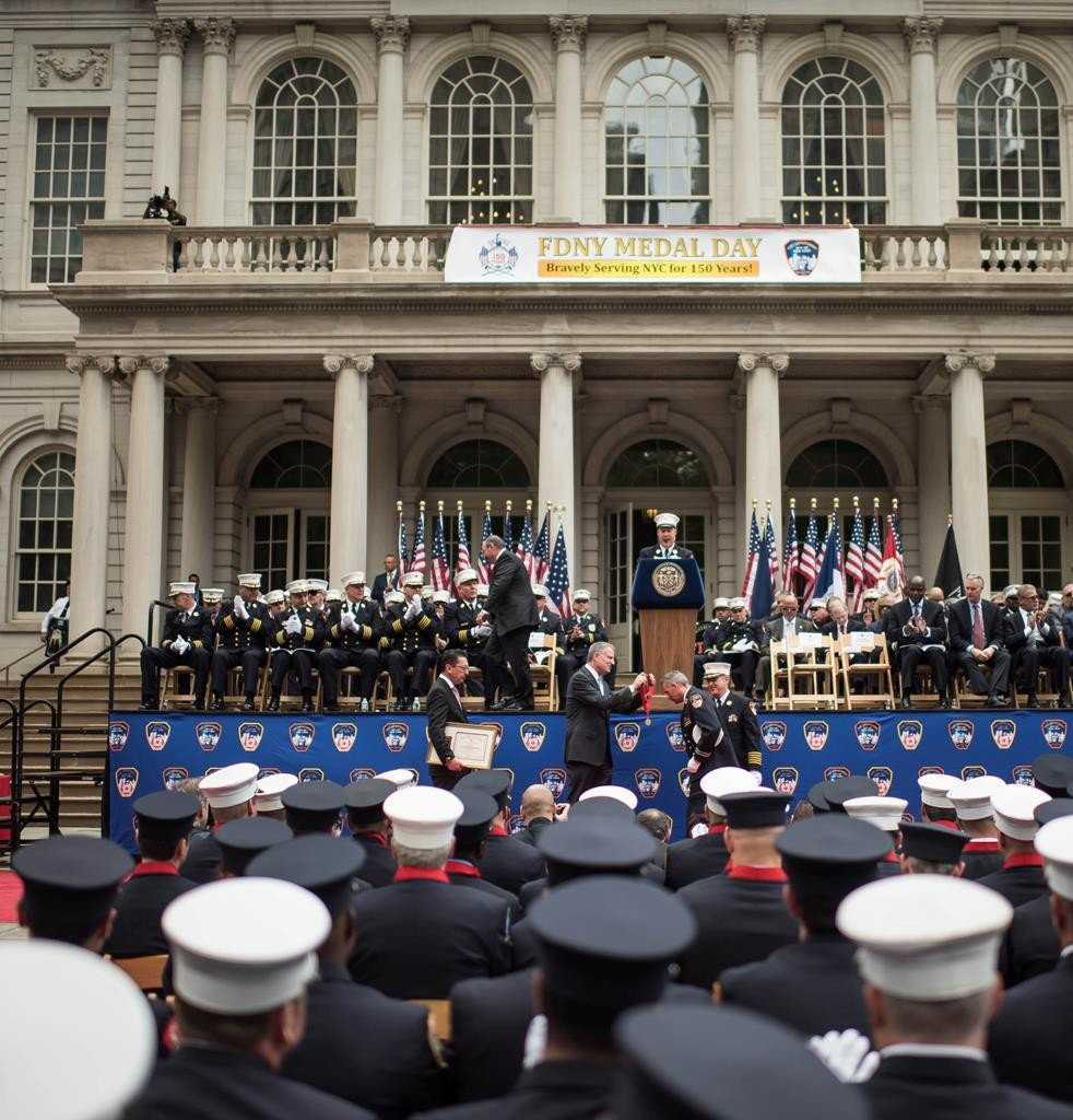 """Mayor Bill de Blasio on Wednesday hosts the Fire Department's """"Medal Day"""" at City Hall Plaza. (Rob Bennett/Mayoral Photography Office)"""