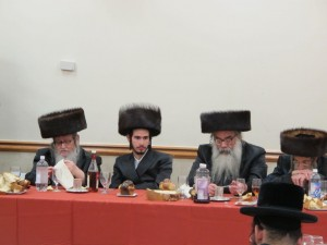 With his mechutan, Harav Mordechai Stein, Faltishaner Rav. (JDN)
