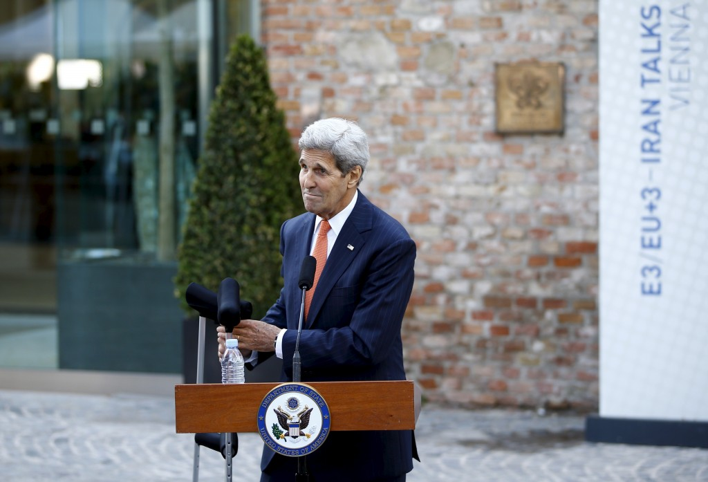 Secretary of State John Kerry prepares to leave a news conference in front of Palais Coburg, the hotel where the Iran nuclear talks are being held in Vienna, Austria July 9, 2015.  (REUTERS/Leonhard Foeger)