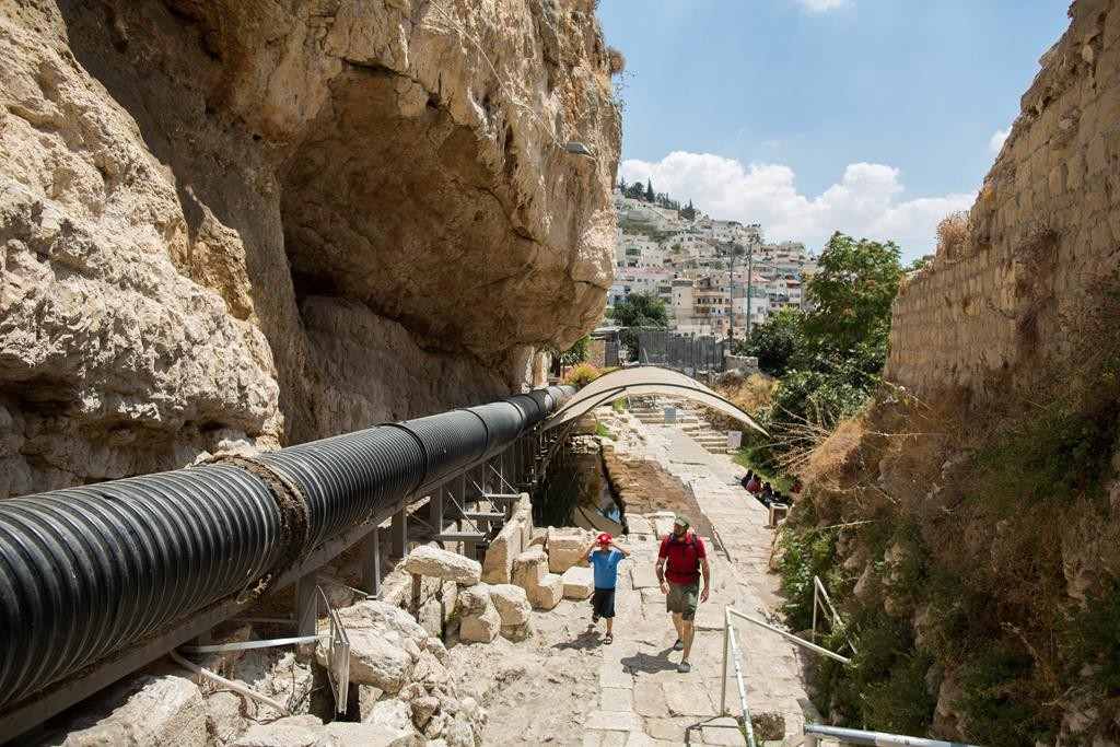 Visitors walking in the City of David in the eastern Yerushalayim neighborhood of Shiloah, Monday. (Yonatan Sindel/Flash90)