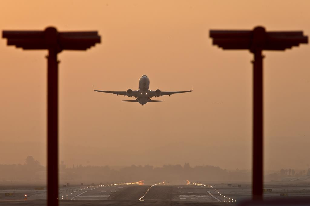 An airplane takes off from Ben Gurion International Airport.  (Moshe Shai/FLASH90)
