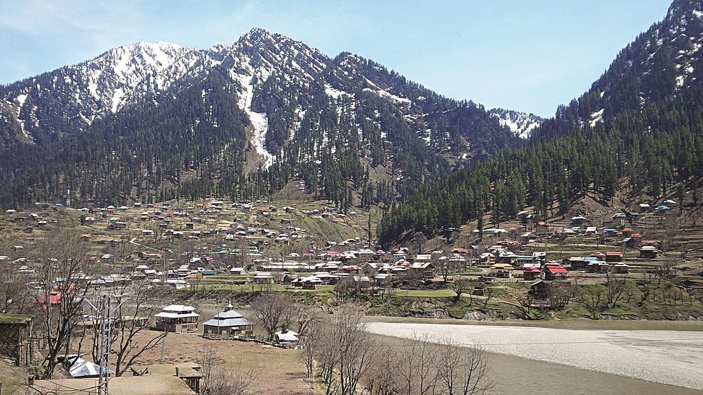 A view of beautiful but troubled Kashmir, lately a zone for drone warfare. (Saad siddiqui56)