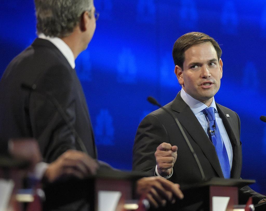 Rubio and Christie battle for establishment lane [Video]