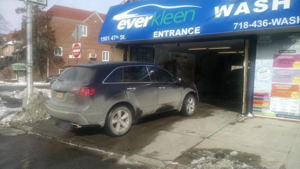 A van enters Everkleen Car Wash near McDonald Ave. in Boro Park for a wash. (Everkleen Car Wash)