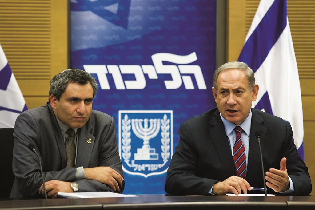 Israel's Prime Minister Binyamin Netanyahu (R) and Immigration and Absorption Minister Zeev Elkin (Likud), one of the barrier's critics. (Miriam Alster/Flash90)